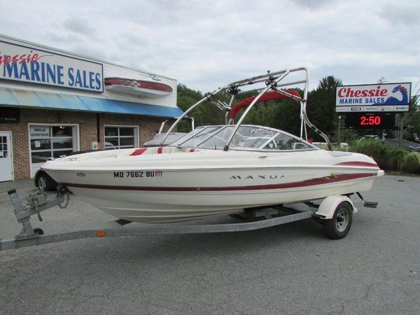 Used Maxum 2400 SC2400 SC Bowrider Boat For Sale