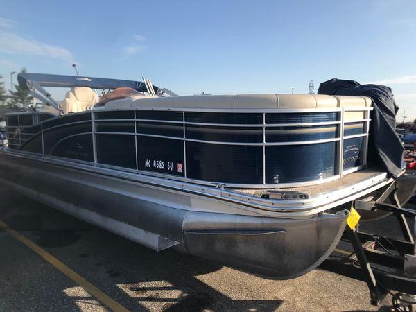 Used Bennington 2250 RCW2250 RCW Pontoon Boat For Sale