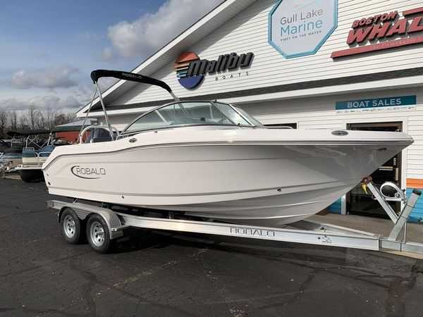 New Robalo R207R207 Dual Console Boat For Sale
