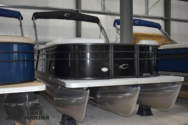 New Crest Classic LX 200 SLCClassic LX 200 SLC Pontoon Boat For Sale