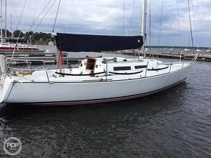 Used J Boats J35 Racer and Cruiser Sailboat For Sale