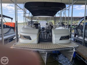 Used Manitou 25 Legacy LT Pontoon Boat For Sale