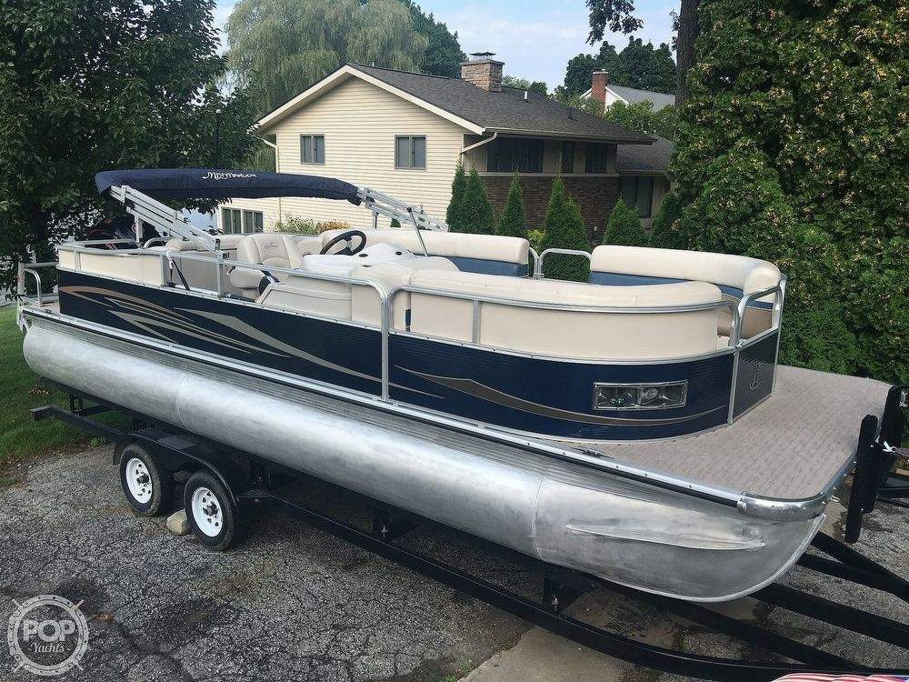 2013 Used Misty Harbor 2285rl Pontoon Boat For Sale