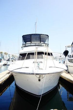 Used Carver 3807 Cruiser Boat For Sale