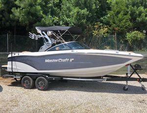 Used Mastercraft XT22XT22 Ski and Wakeboard Boat For Sale