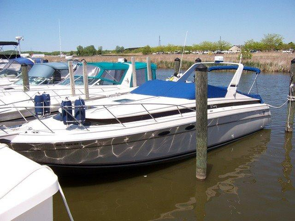 Used Wellcraft 33 ST Tropez Express Cruiser Boat For Sale