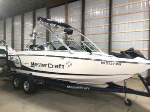 Used Mastercraft X15X15 Ski and Wakeboard Boat For Sale
