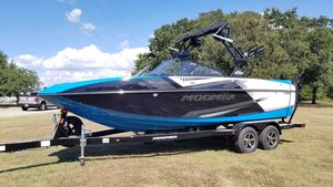 New Moomba Craz MoombaCraz Moomba Ski and Wakeboard Boat For Sale