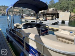 Used Sun Tracker 18 DLX Party Barge Pontoon Boat For Sale