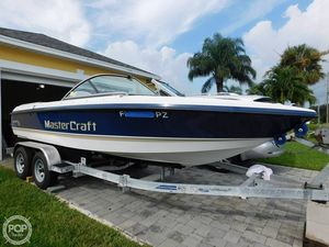 Used Mastercraft Pro Star 205V Ski and Wakeboard Boat For Sale