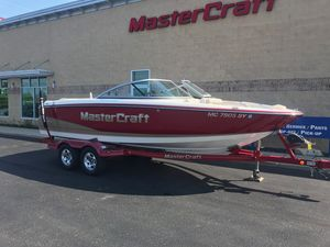 Used Mastercraft MariStar 215MariStar 215 Ski and Wakeboard Boat For Sale