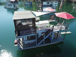 Used Spcns 14 x 25 House Boat For Sale
