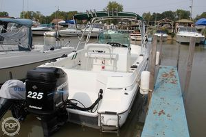 Used Doral 240 CC Center Console Fishing Boat For Sale