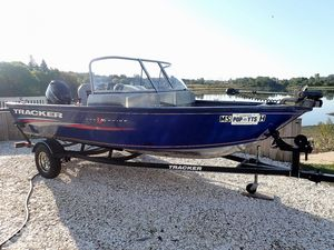 Used Tracker Pro Guide V16 WT Bass Boat For Sale