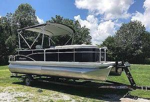 Used Manitou Aurora LE 22 Pontoon Boat For Sale
