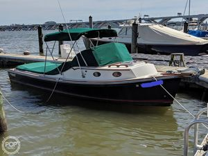 Used Mathews Brothers 22 Express Cruiser Boat For Sale