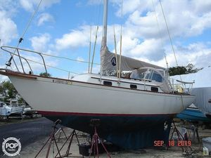Used Sea Sprite 27 Racer and Cruiser Sailboat For Sale