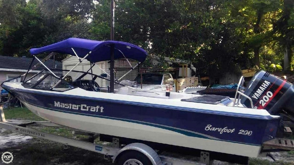 Used Mastercraft Barefoot 200 Ski and Wakeboard Boat For Sale