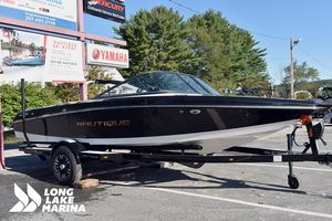 New Nautique 200Nautique 200 Ski and Wakeboard Boat For Sale