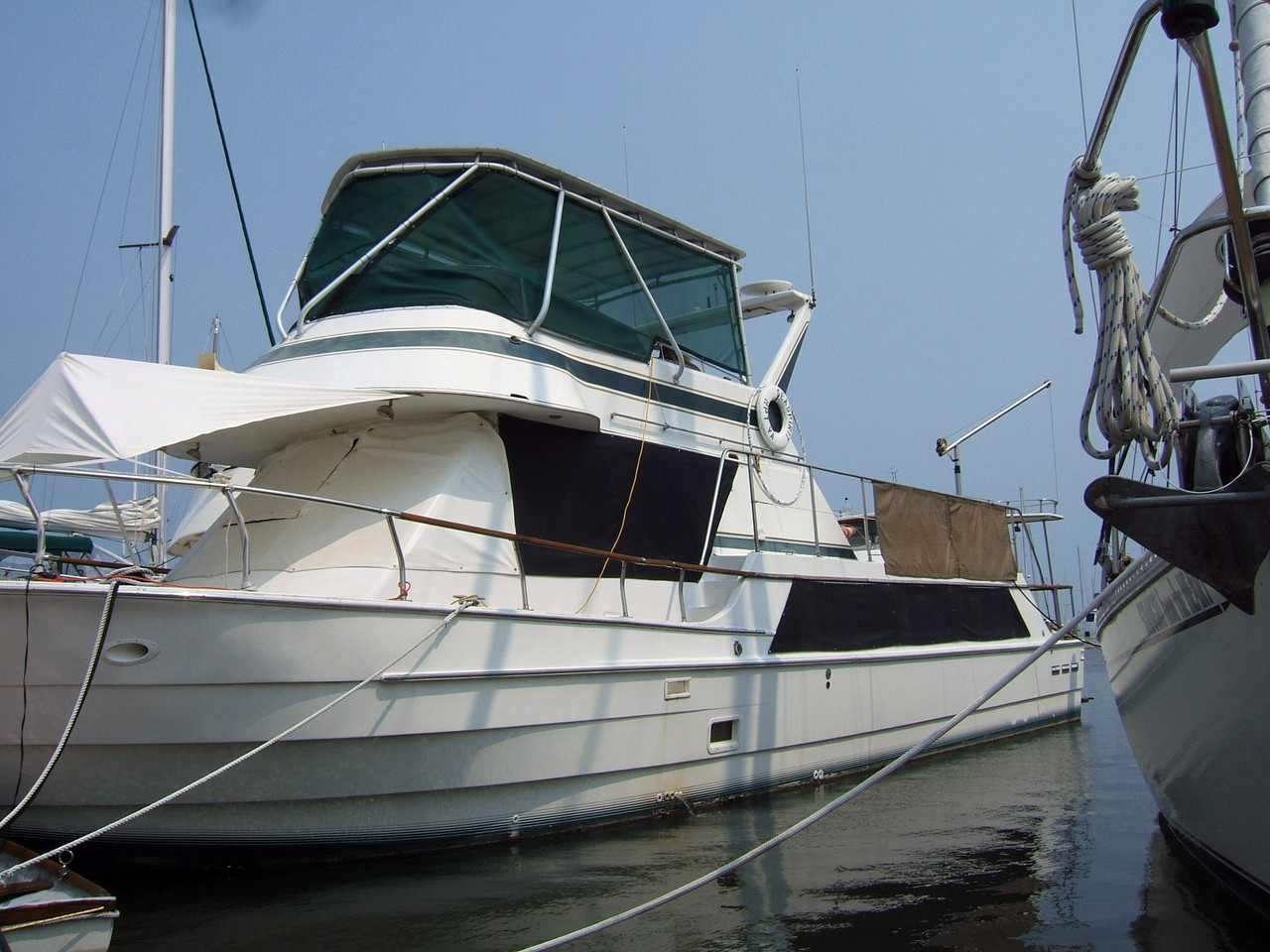 1981 Used Coastal Cruiser 52 Motor Yacht For Sale