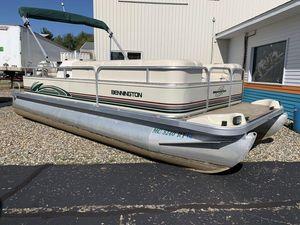Used Bennington 2050LX2050LX Pontoon Boat For Sale