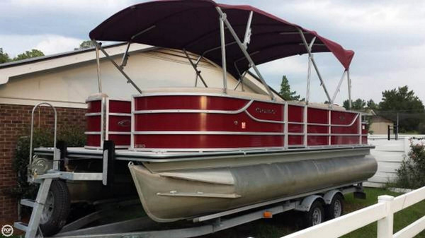 Used Crest II Fish 230SF Pontoon Boat For Sale