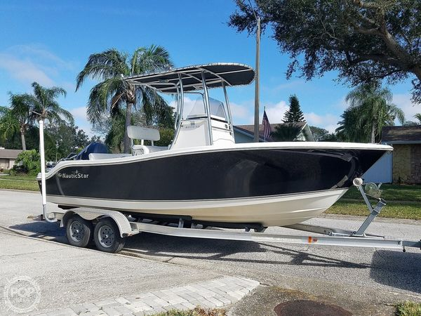 Used Nauticstar 2000XS Center Console Fishing Boat For Sale