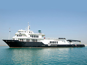 Used Shadow Marine Custom Expedition Yacht Motor Yacht For Sale