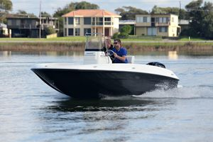 New Bayliner F18F18 Center Console Fishing Boat For Sale