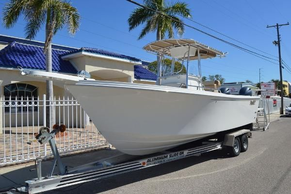 New Parker 25012501 Center Console Fishing Boat For Sale