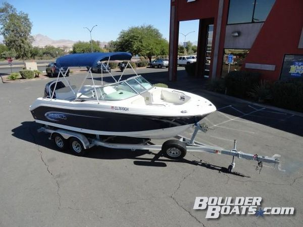 Used Robalo R207R207 Freshwater Fishing Boat For Sale