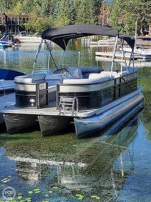 Used Crest II 250 Pontoon Boat For Sale