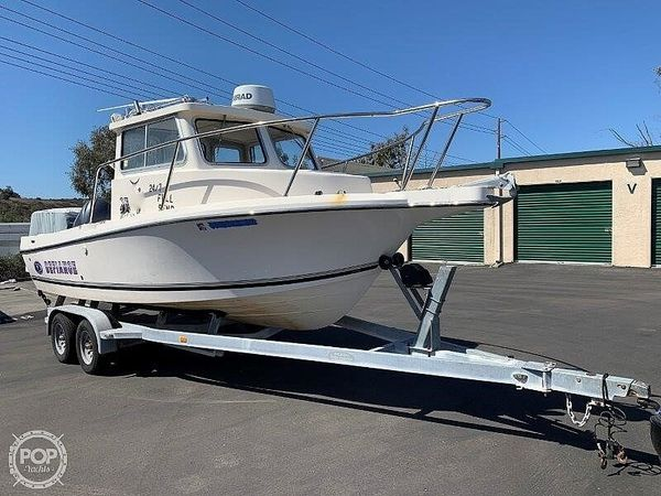 Used Defiance 220 Admiral Walkaround Fishing Boat For Sale