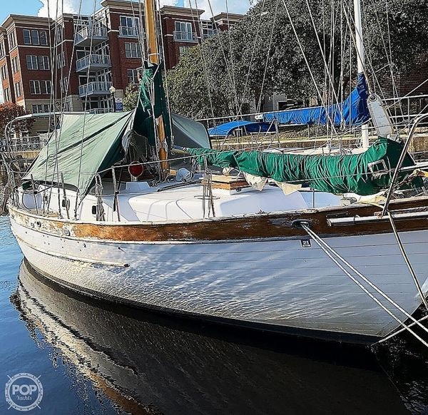 Used Young Sun Westwind 35 Racer and Cruiser Sailboat For Sale