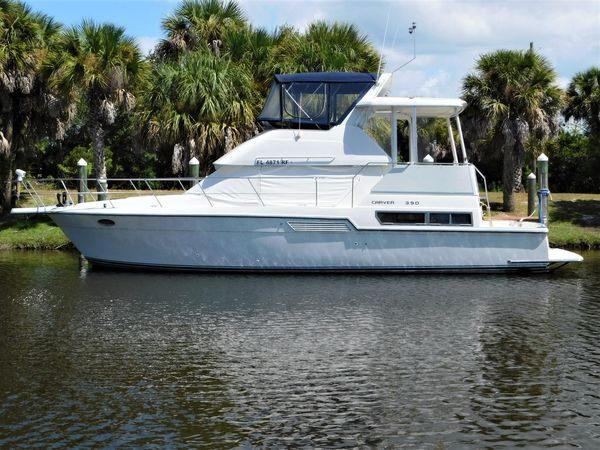 Used Carver 390 CPMY Motor Yacht For Sale