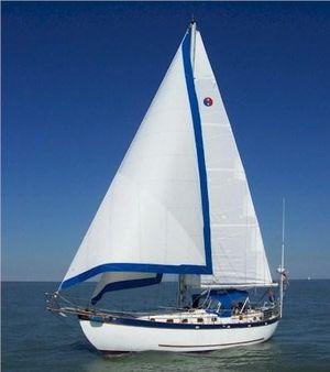Used Young Sun 43 Center Cockpit Motorsailer Boat For Sale