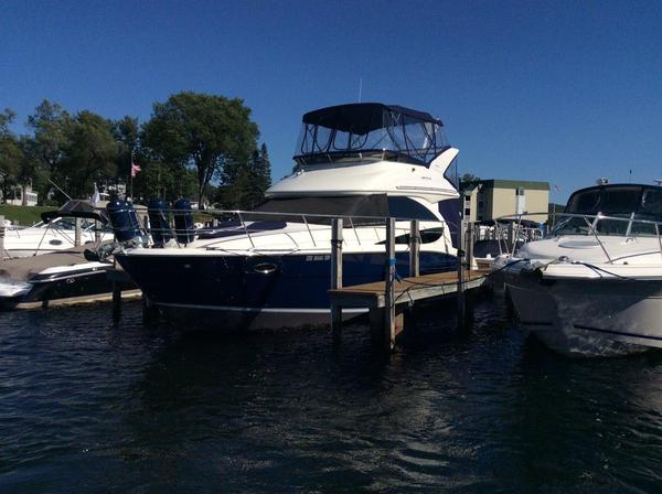Used Meridian 341 Sedan Motor Yacht For Sale