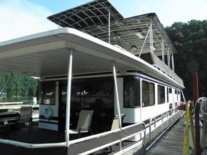 Used Stardust Cruisers 18 X 68 Houseboat House Boat For Sale