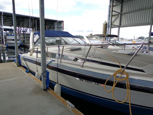 Used Bayliner 3250 Conquest Cruiser Boat For Sale