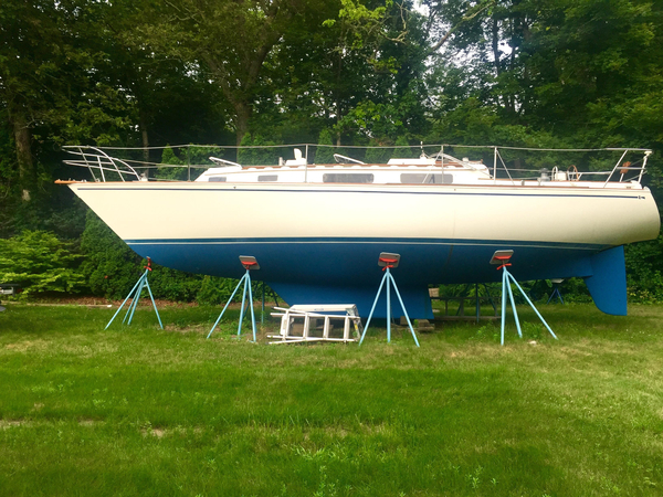Used Sabre 34 CB Cruiser Sailboat For Sale