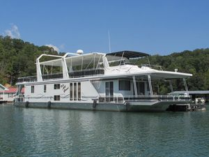 Used Lakeview 17 X 81 Widebody House Boat For Sale