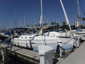 New Beneteau 323 Cruiser Sailboat For Sale