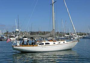 Used Pearson Invicta Cruiser Sailboat For Sale