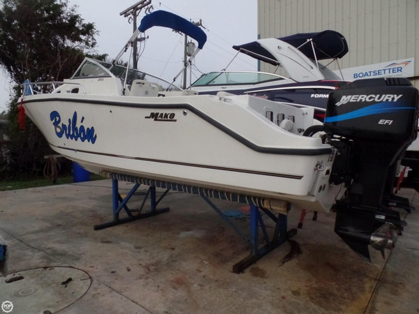 Used Mako 253 Walkaround Fishing Boat For Sale