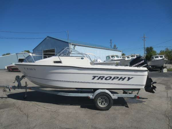 2010 used trophy 1802 wa walkaround fishing boat for sale for Fishing boats for sale in ohio