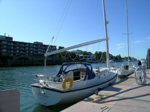 Used Nonsuch Classic 30 Racer and Cruiser Sailboat For Sale