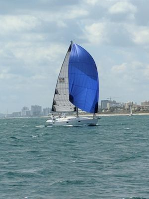 Used Beneteau 400 Racer and Cruiser Sailboat For Sale