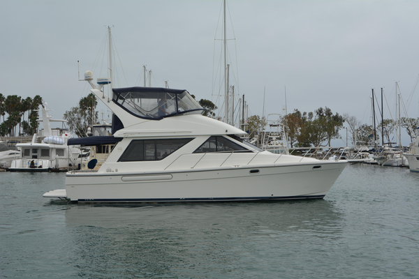 Used Bayliner 39 Motoryacht Convertible Fishing Boat For Sale