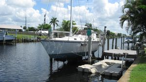 Used Hunter 34 Sloop Racer and Cruiser Sailboat For Sale