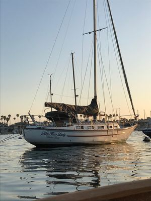 Used Pacific Seacraft Crealock 37 Cruiser Sailboat For Sale